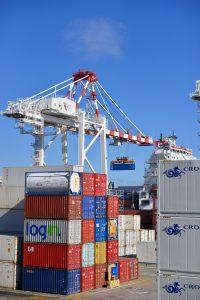 transport kontenerów załadunek