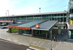 Centralny Port Komunikacyjny CPK. Stacja kolejowa przy terminalu pasażerskim na lotnisku Chopina.