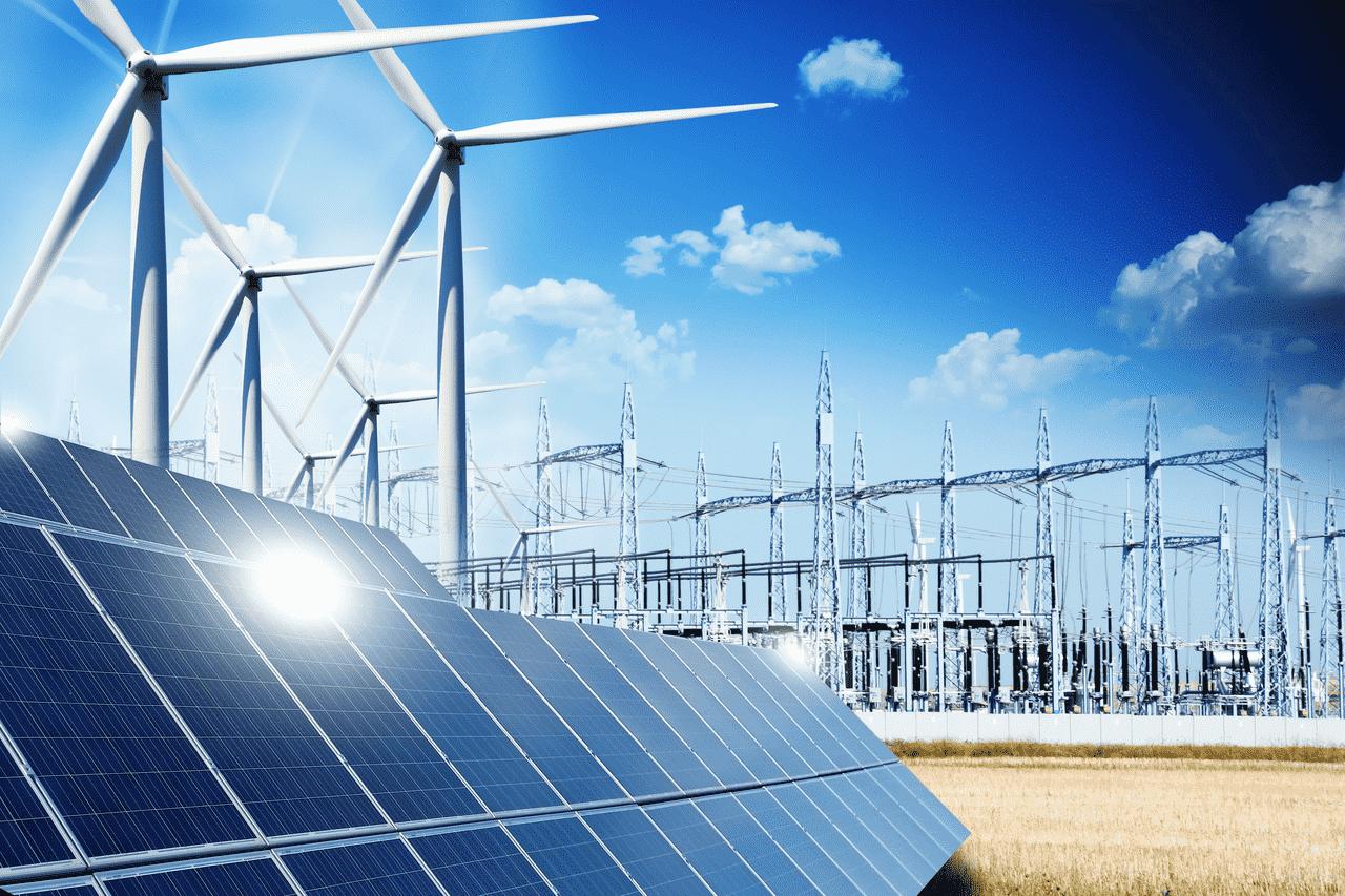 Transport fotowoltaiki z Chin. Elektrownia słoneczno-wiatrowa - panele fotowoltaiczne i turbiny wiatrowe.